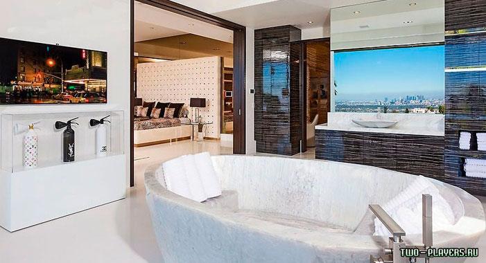 Вторая ванная комната в особняке Нотча