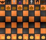 Игра шахматы в Хэллоуин